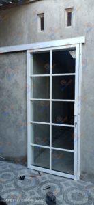 Pintu sliding kaca